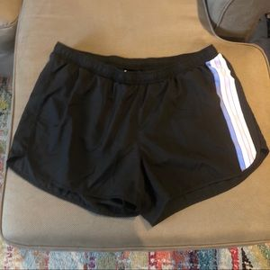 NWOT Old Navy Active running shorts